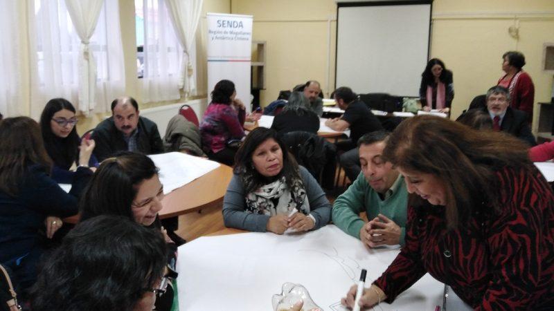 Orientadores trabajaron en inclusión curricular del material de prevención de drogas para establecimientos educacionales