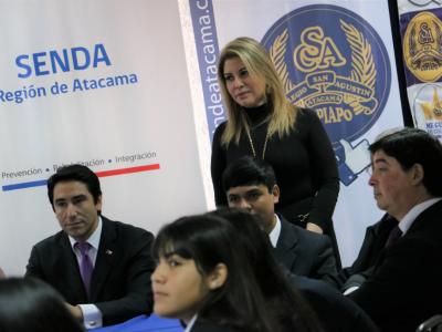 Autoridades de Gobierno conversan con estudiantes en el Día Internacional de la Prevención del Consumo de Drogas