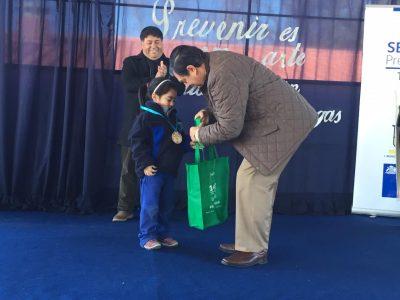 """Senda y Municipalidad de Teno premiaron a ganadores de concurso """"Previene a tu pinta"""""""