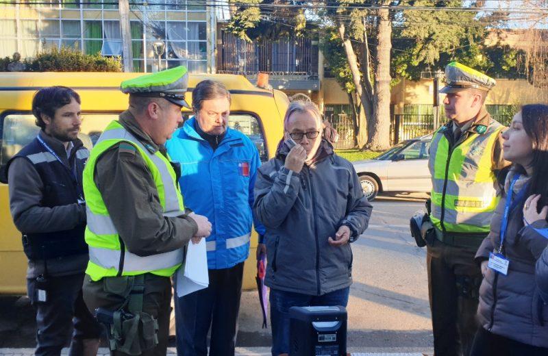 SENDA y Carabineros de Linares realizaron controles preventivos con alcotest y narcotest a choferes de furgones escolares