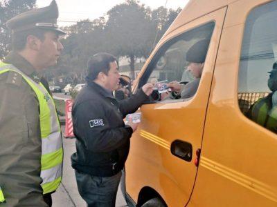 Senda y Carabineros realizan fiscalización preventiva a conductores de transporte escolar