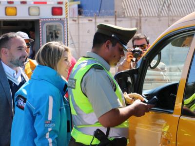 SENDA y Carabineros realizaron controles preventivos con alcotest y narcotest a choferes de furgones escolares