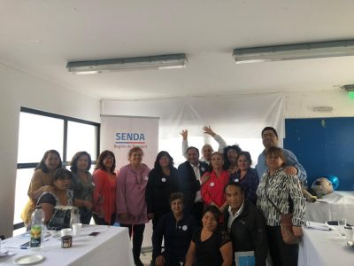 Dirigentes vecinales de Alto Hospicio participan en  talleres de prevención del consumo de alcohol y otras drogas