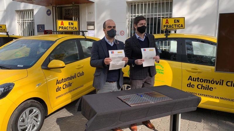 SENDA Y AUTOMÓVIL CLUB DE CHILE FIRMAN ACUERDO PARA PREVENIR EL CONSUMO DE ALCOHOL Y OTRAS DROGAS EN LA CONDUCCIÓN