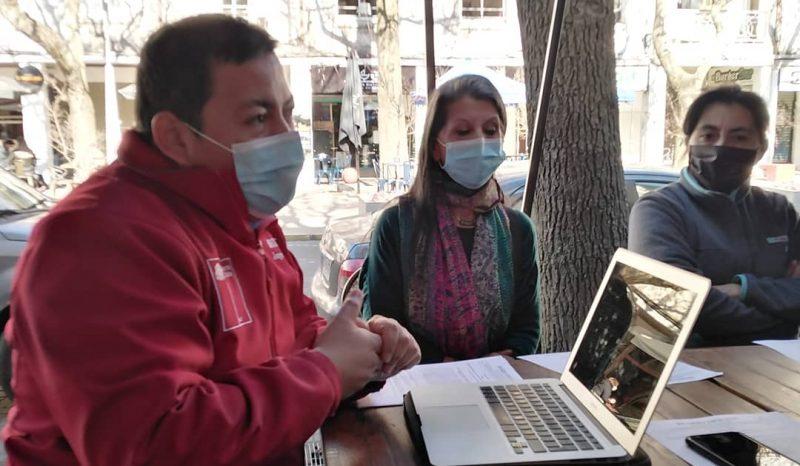 SENDA Biobío se reúne con locatarios de Plaza Perú para presentar nueva Ley de Alcoholes