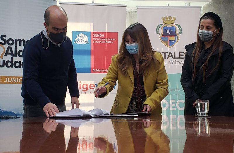 DIRECTOR NACIONAL VISITA LA REGIÓN DE MAGALLANES Y LA ANTÁRTICA CHILENA