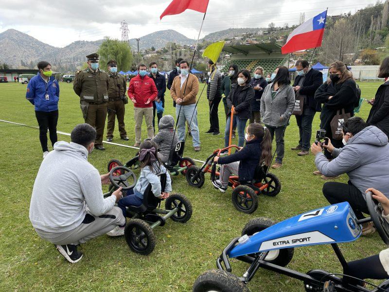 Niñas y niños de Coya y Chacayes aprenden sobre normas del tránsito en lúdico circuito vial