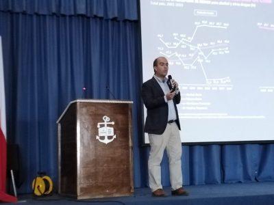 Director Nacional de SENDA presenta Estrategia de Drogas a casi 700 grumetes en la Isla Quiriquina